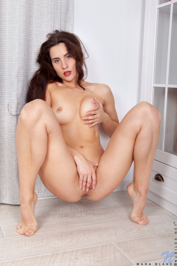 [Nubiles] Mara Blake - Photo & HD Video Pack